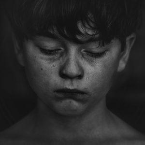 mendidik anak dengan mengetahui kesalahan fatal orangtua yang sering terjadi mamppu membantu lebih bijak dalam pendidikan karakter anak.