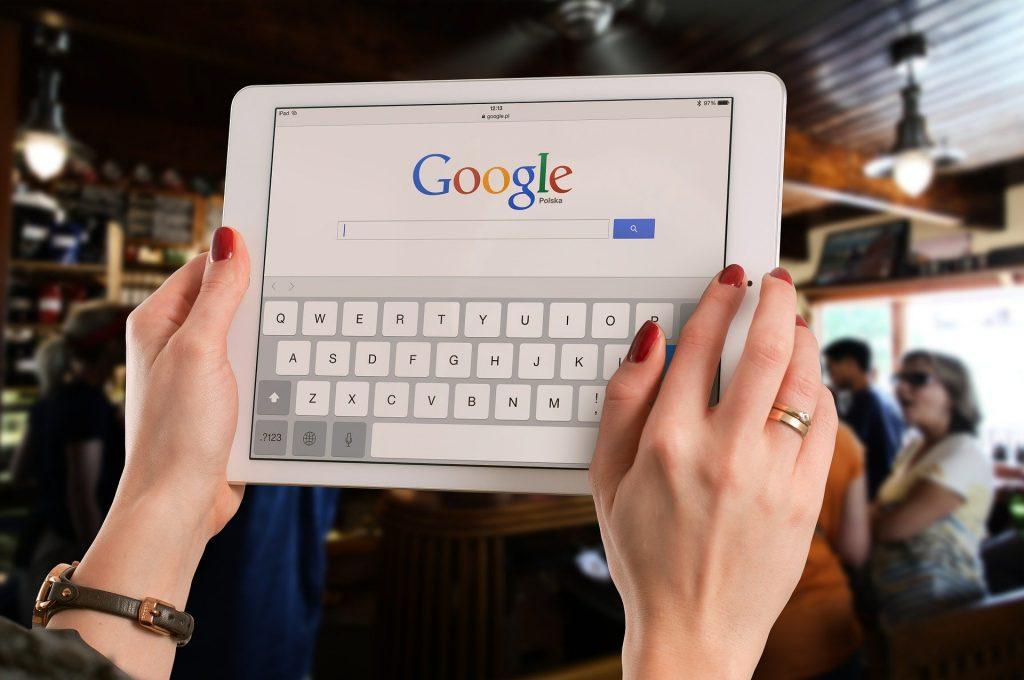 Ingin menghasilkan uang di internet? Kelas online google ads ini patut anda ikuti.