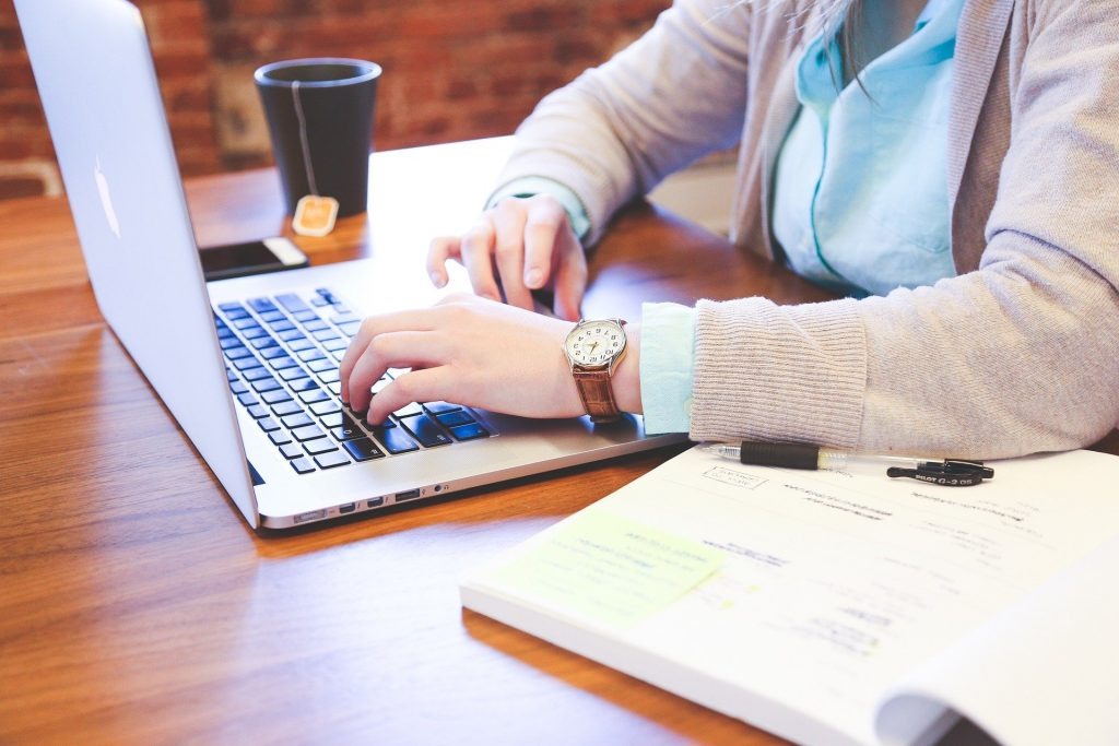 Mudah dan aplikatif dengan mengikuti kelas online facebook marketplace ini.